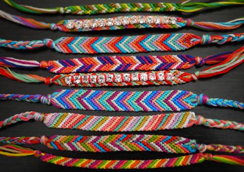 Описание схем их плетения