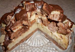 Бисквитный торт в разрезе