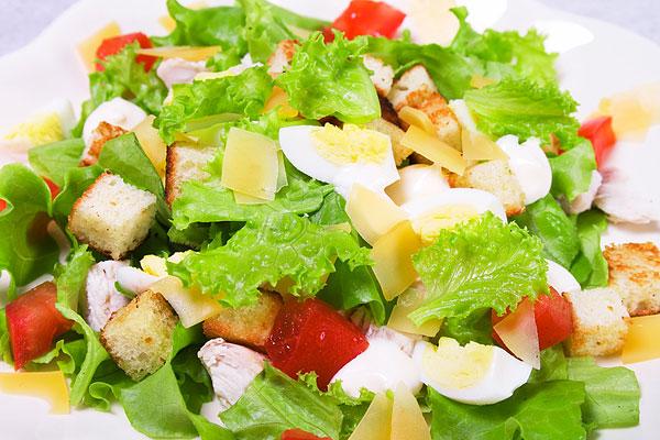 рецепт салата з сухариками фото