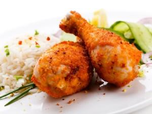 Сочные куриные ножки с рисом и овощами