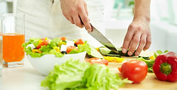 Як правильно готувати смачну і корисну їжу?